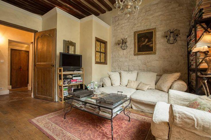 Regardez ce logement incroyable sur Airbnb : Sumptuous and rare apartment-Paris - Appartements à louer à Paris