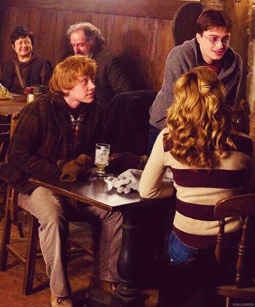 Harry potter... Hermione wearing gryffindor stripes :)
