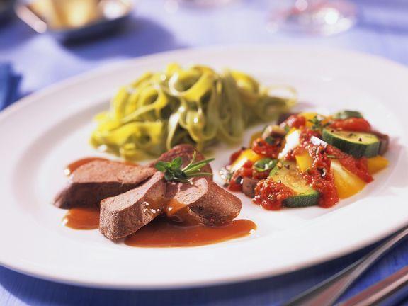 Hasenrücken mit Gemüse ist ein Rezept mit frischen Zutaten aus der Kategorie Hase. Probieren Sie dieses und weitere Rezepte von EAT SMARTER!