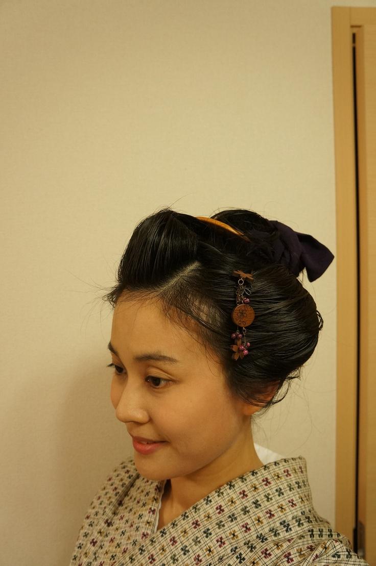 Nihon-gami ~traditional hairstyle of Japan ~ wearing kimono and obi.    自分で日本髪っぽく結っています自分で結っています。地毛のみで付け毛も使っていません。I did it by myself