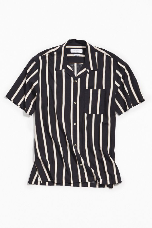 2941b45a6 Slide View: 1: UO Sport Striped Rayon Short Sleeve Button-Down Shirt -