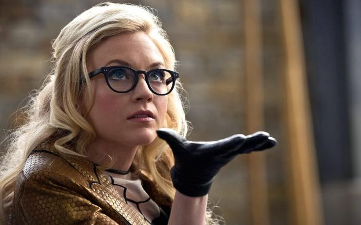 First look at Walking Dead's Emily Kinney as DC's Bug-Eyed Bandit on The Flash | Blastr