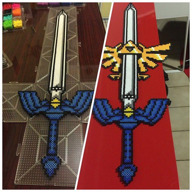 LoZ Master Sword perler beads  by renzolorenzo