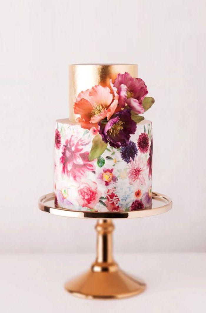 Ideen für Hochzeitstorten 2015   Friedatheres.com goldene Hochzeitstorte mit Blumen // golden wedding cake