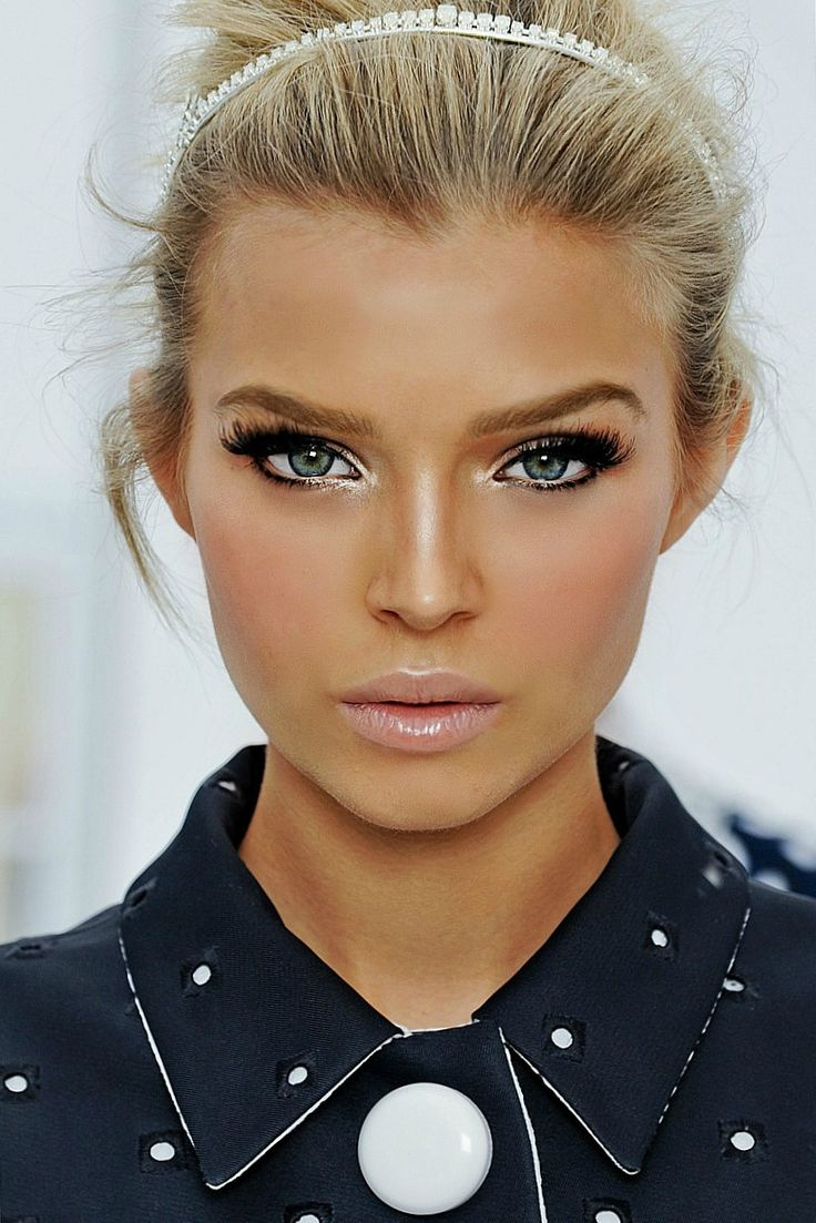 Follow the cues of the Louis Vuitton runway and try this for a face that will make you look like a million bucks on your big day #crcmakeup