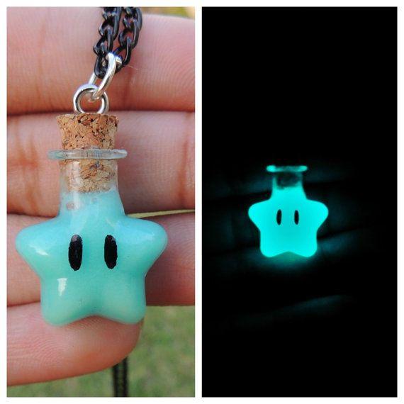 Collana stella Mario brilla nel colore scuro Aqua