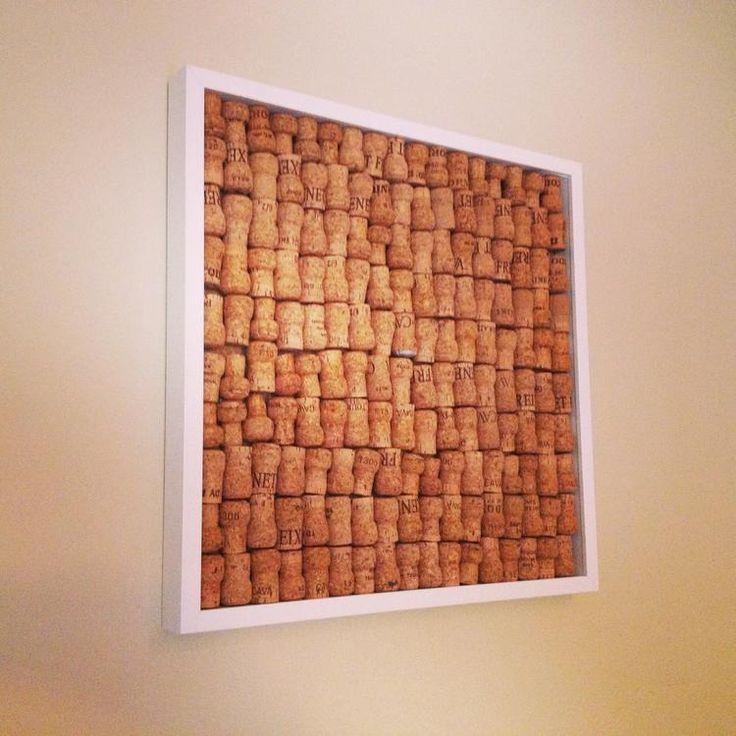 eigen prikbord maken met kurken van cava (of wijnflessen) ikea kader , glas verwijderen,en vastkleven
