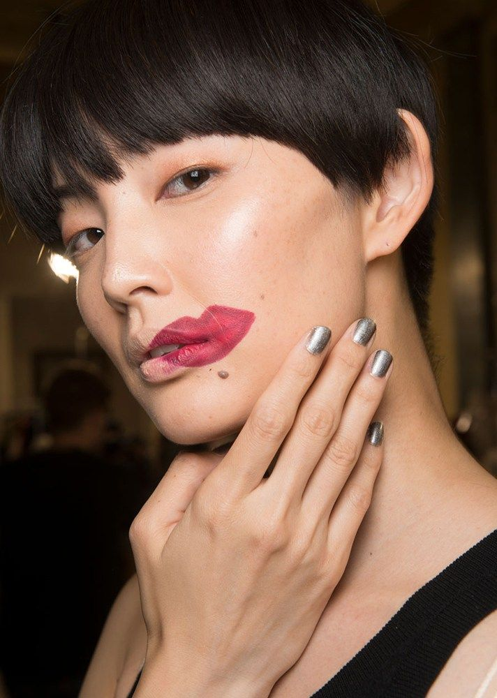 Browse the best nail art ideas from fashion month Spring 2017 at @StyleCaster | Atsushi Nakashima's solid silver nails