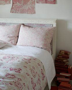 Cabbages and Roses vintage floral bedspread and pillows