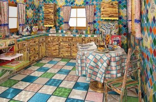 Artista Liza Lou pasó cinco años creando una cocina de tamaño natural y patio trasero de diminutas cuentas de vidrio.
