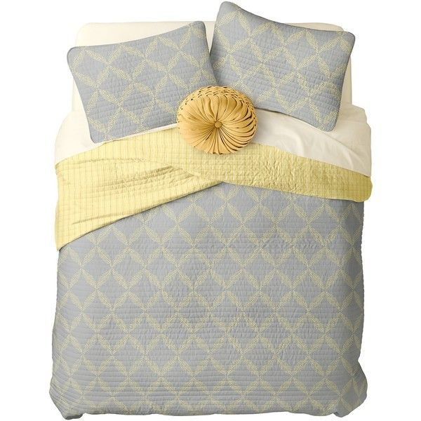 Nordstrom Rack Pointillist Geo Print Reversible Quilt Queen Set ($90) ❤ liked on Polyvore featuring home, bed & bath, bedding, quilts, grey sconce, gray quilt set, grey pillowcases, queen bed linens, geometric pattern bedding and grey queen bedding