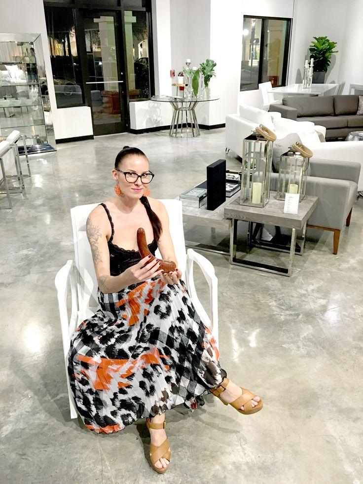 TEATIAMO on suomalaisen Taiteen Maisterin, Tea Latvalan vuosi sitten perustama design-brändi. Startup-yritys keskittyy seksilelujen...