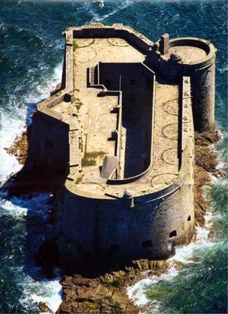 Baie de Morlaix - Chateau du Taureau, Bretagne, Brittany - http://www.nhu.bzh/gallery/les-chateaux/