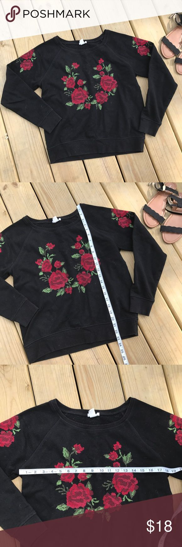 Forever 21 Rose Embroidered Sweatshirt Cute and comfy black Sweatshirt with rose print. This is similar to LF. 💠From a clean and smoke free home!💠 Add to a bundle to get a private discount 💠 Discount ALWAYS Available on 2+ items💠 No trades, holds, modeling or transactions off of Poshmark.💠 Forever 21 Tops