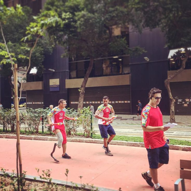 Alegria Paraolímpica #passeata #centrodorio #riodejaneiro #dança #jogos #paraolimpiadas2016