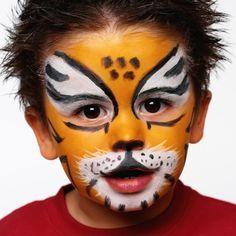 Für das Kinderschminken eine Wildkatze wählen