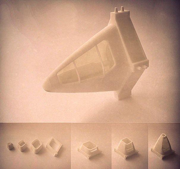 "Eduardo Camarena, Proyecto Fin de Carrera ""Ciudad Vertical"", impresión de módulo de fachada habitable a escala 1:25 (material usado: ABS Blanco)."