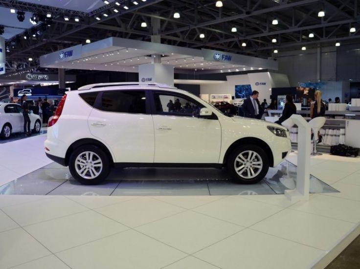 Обновленный Geely Emgrand X7, который был представлен в версии 2015 МГ на нынешнем Московском автосалоне, получил новую модификацию.