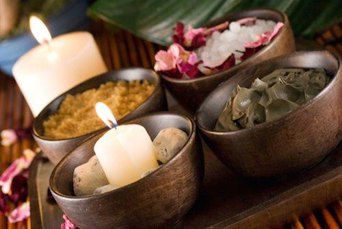Voici 3 recettes naturelles de gommage maison. Grâce à ces soins de beauté de nos grands-mères, profitez d'une peau douce et éclatante !