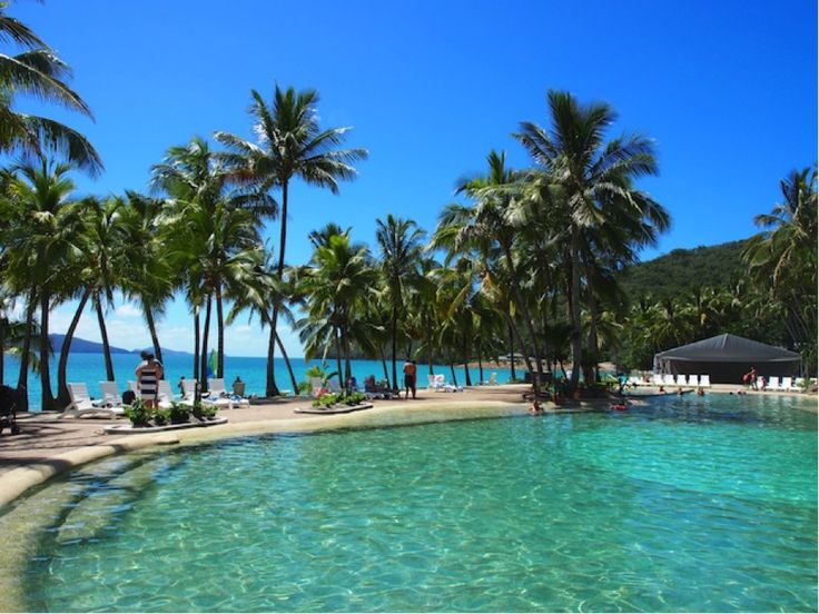 The kid-friendly Bougainvillea Pool, in front of the Reef View Hotel, feels like a secluded lagoon, and is right on the edge of stunning Catseye Beach. #HamiltonIsland