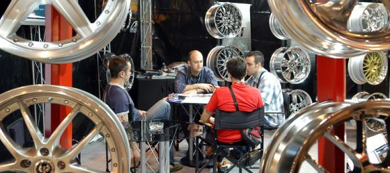 12 de marzo de 2013: Coches viejos, nuevas ideas: Los profesionales de la posventa de automóviles se reúnen en la feria de Motortec Automechanika.