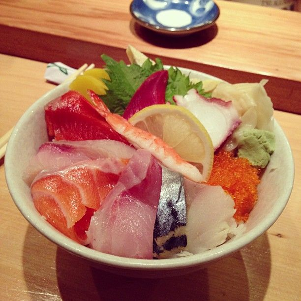 Delicious sushi and ramen at Tsukushinbo