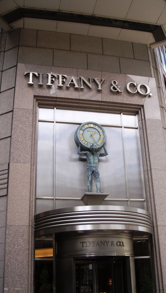 Tiffany & Co. at 727 Fifth Avenue........Two of my favourite things represented in this picture........NYC and Tiffany & Co.