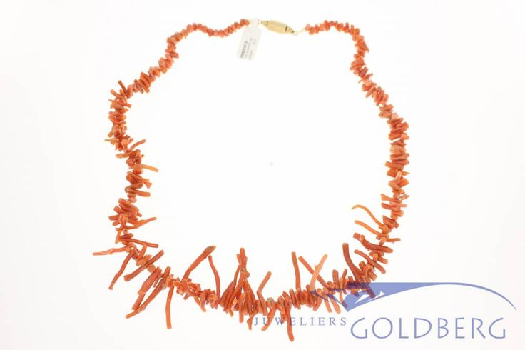 "Beautiful vintage red coral ""twigs"" necklace with 14k gold lock of approximately the 1960ss. Originally from goldsmith M. Stigter in Schoonhoven (The Netherlands), which was active between 1957 and 1999. For more information visit our site: http://www.goldbergjuweliers.nl/en/vintage-red-coral-precious-coral-twigs-necklace-1.html"