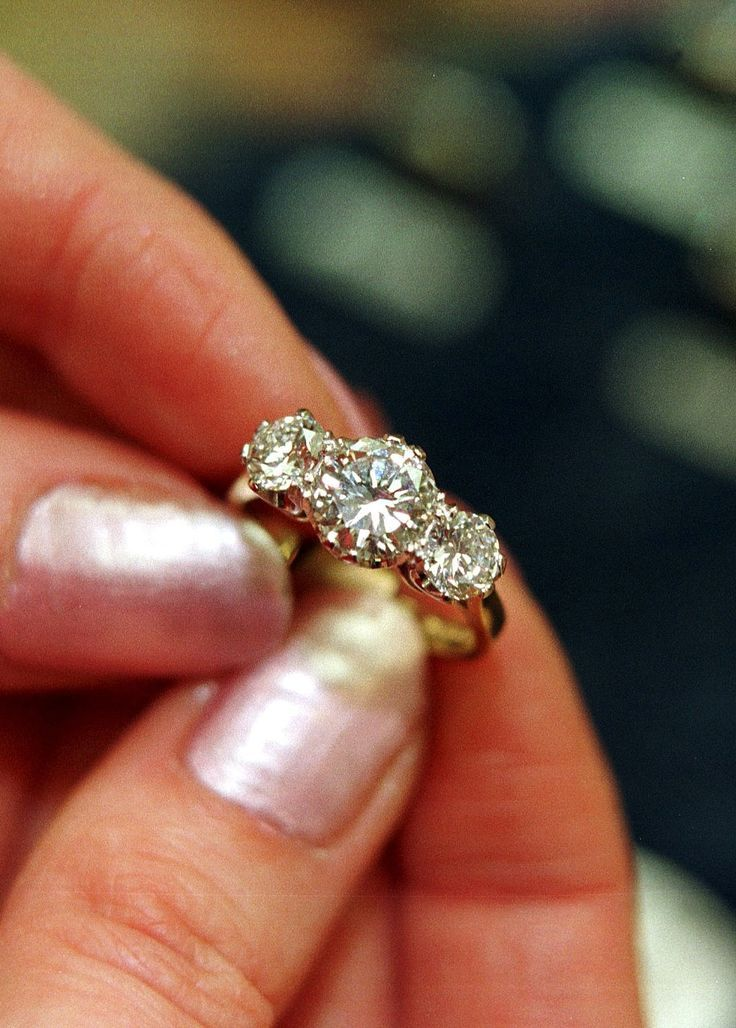20 Gorgeous Three Stone Engagement Rings You Will Want L