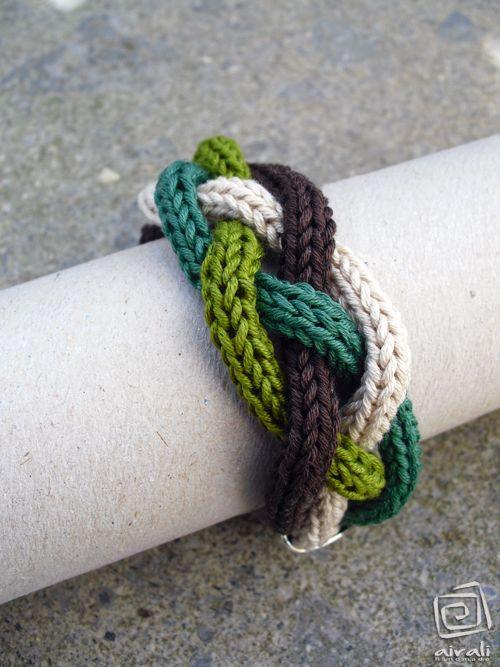 bracelet tricotin - http://besenseless.blogspot.fr
