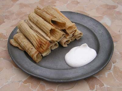 Awesome recipe for medieval and Renaissance waffles, or wafers. :)