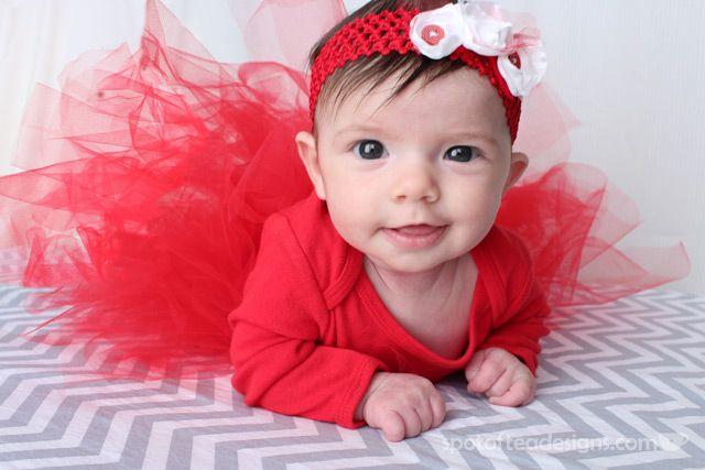#Christmas Card Photo Shoot and DIY Baby Tutu Tutorial | spotofteadesigns.com