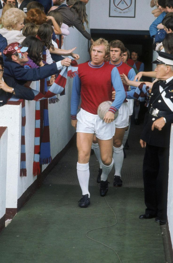 National Portrait Gallery remembers football legend Bobby Moore with new exhibition | London Evening Standard
