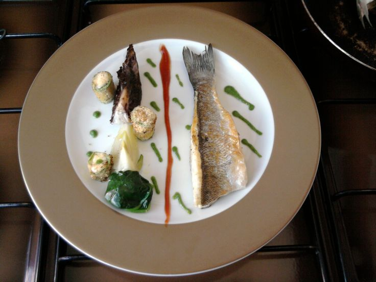JHS /  Bar grillé aux petits légumes et sauce au fenouil Gino D'Aquino