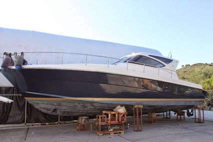 Barca a motore Hard Top CAYMAN 43 wa 2004 - 2Cabine+2Bagni - 2x480 Volvo Penta Diesel Scafo Blu, Autoclave (acqua dolce), Bussola, Caricabatterie, Ecoscandaglio, Passerella (idraulica), dinette trasformabile, n'6 posti letto,  elica di prua, Generatore elett. € 149.000 Nauticamato srl http://www.yachtworld.it/barche/2004/Cayman-43-wa-ht-2692247/Italia#.VFi-RfmG_oE