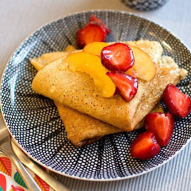God morgon fredag! Vem tackar nej till pannkakor till frulle? De här pannkakorna är både gluten- och mjölkfria. Recept på bloggen nu