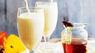 Snídaňové smoothie s mangem, mandlemi a medem