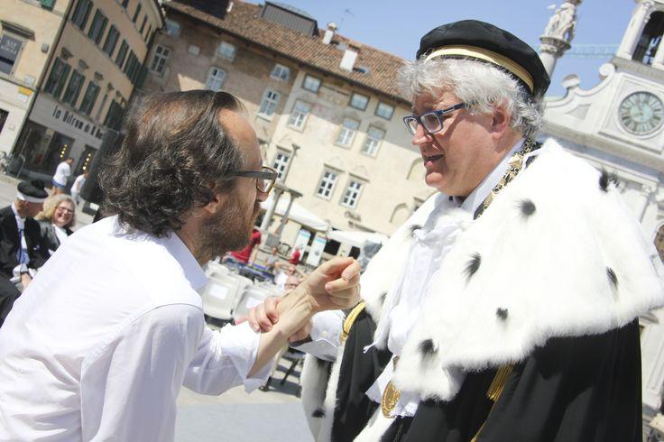 Il direttore artistico Jader Giraldi e il Magnifico Rettore Alberto Felice De Toni