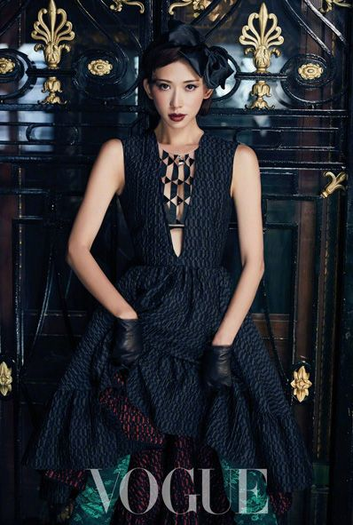 Actress-model Lin Chi-ling poses for fashion magazine   China Entertainment News