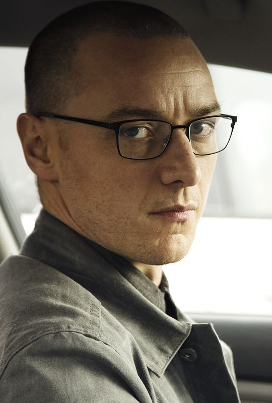 James McAvoy in Split - M. Night Shyamalan