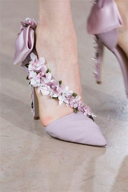 La marque Georges Hobeika présentait sa collection automne-hiver 2016-2017 lors des défilés Haute Couture de Paris. Découvrez toutes les photos de son défilé.                                                                                                                                                                                 More