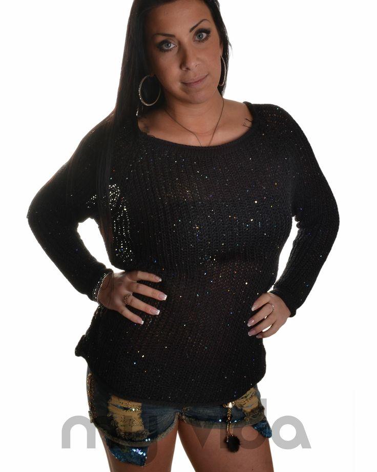 Maglia donna 100% cotone con scollatura a girocollo e maniche lunghe. Maglietta ideale per le serate primaverili ed estive, abbinamento ideale con jeans per un look casual. http://www.myvida.it/donna/abbigliamento-donna/maglieria