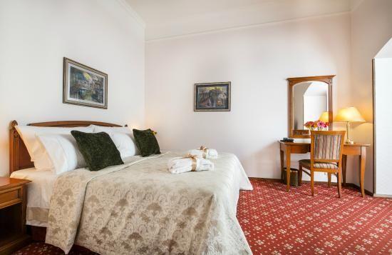 Boutique Hotel Seven Days, Prag:  78 Bewertungen, 962 authentische Reisefotos und günstige Angebote für Boutique Hotel Seven Days. Bei TripAdvisor auf Platz 42 von 649 Hotels in Prag mit 4,5/5 von Reisenden bewertet.