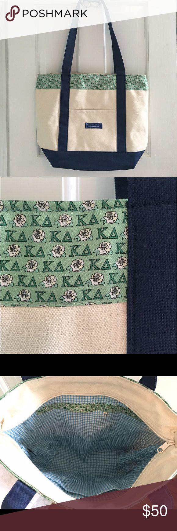 Vineyard Vines Kappa Delta tote bag Brand new Vineyard Vines custom collection Kappa Delta bag. Sturdy canvas body and straps and interior zip pocket. Vineyard Vines Bags Totes