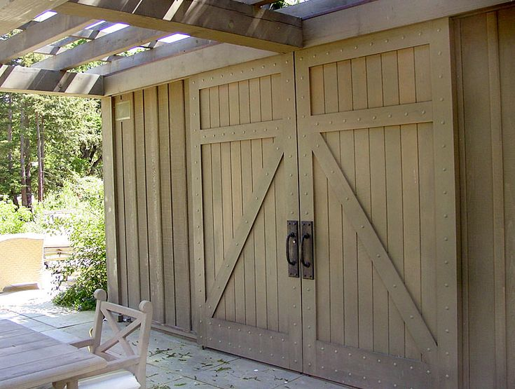 1000 ideas about exterior barn doors on pinterest barn - How to install an exterior sliding barn door ...