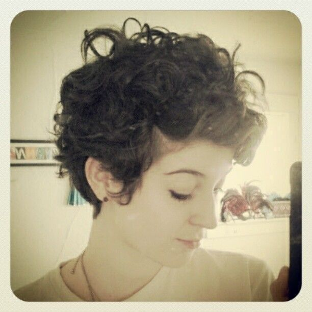 super short curly hairstyles for women - Google Search