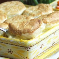 Chicken and Biscuits Casserole: Biscuits Casserole, Recipes Casseroles ...
