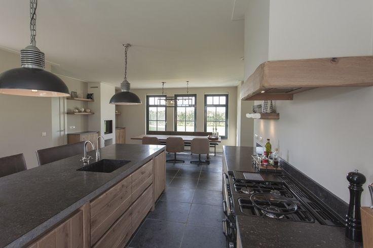 25 beste idee n over industri le architectuur op pinterest - Open keuken op verblijf ...