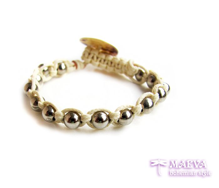 http://maevabohemian.com/Bracelet%20Modern%20Style?product_id=74&limit=100 #knitted #boho #bracelet with #macrame in cream color and mother of #pearl button for closure