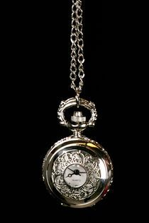 Kellokaulakoru -Hopeanvärinen Köynnös 14 euroa, tän tyyliset kellokaulakorut